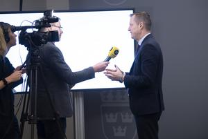 Kommunala Gästabudsstaden och andra bredbandsaktörer hoppas att regeringen, med energi- och digitaliseringsminister Anders Ygeman (S), stoppar Jordbruksverkets omfördelning av pengar. Arkivbild.