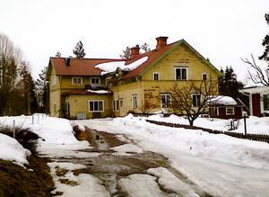 Så här ser Norra Rens folkskola ut idag.