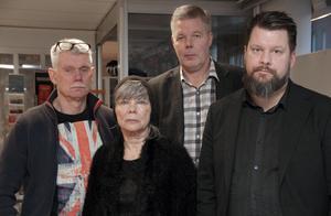 Bild från presskonferensen 16 december. Längst fram står ledamöter i Vänsterns Borlängestyrelse som stödjer Leif Lindström. Från vänster: Tyko Persson, Ewa Gustafsson och Rikard Rudolfsson (ordförande).