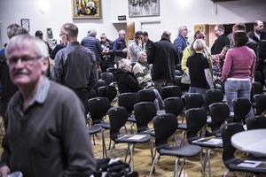 ett femtiotal personer kom till Färila revyns lokaler under torsdagen för att ta del av aktuell information efter sommarens bränder.