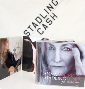 Vinn två signerade skivor av Anna Stadling.