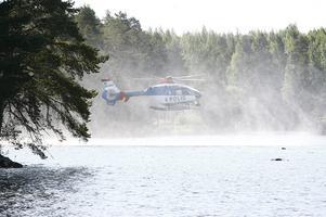 Polisflyget Stockholm sökte ovanför både land och vatten.