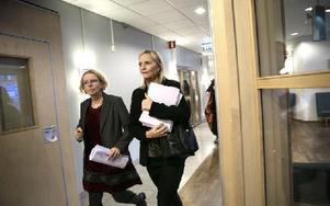 Åklagarna Elin Blank och Anne Sjöblom har tidigare lett utredningarna om Knutby och Fadime. I går pressade de 41-åringen som erkänt att han skjutit ihjäl  Morabon Micael Jerkgård. Foto: Lars Dafgård/DT