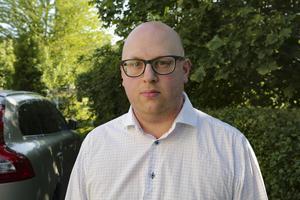 Den mordmisstänkte 56-årige och hans advokat Christoffer Örngård gick med på förlängd häktningstid utan förhandling.
