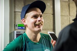 Jon Gudmarsson fick rycka in och kliva in som målvakt när Offerdal mötte Lucksta på NP3 Arena.