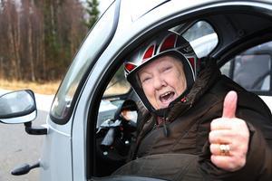 Toppen med egen bil, tycker Siv Gradin i Vemdalen.