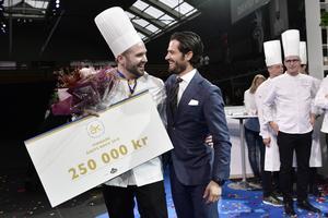 David Lundqvist vann tävlingen Årets Kock 2018 i Kungliga Tennishallen. Prins Carl Philip var en i juryn. Foto: Stina Stjernkvist/TT