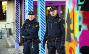 Emma Hoffman och Mikael Westerlund är områdespoliser i Sundsvall och arbetar en stor del av sin tid i Stenstan.