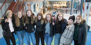 Vinnarna blev Roslagsskolan 9D.  Johanna Green, Mathilda Angeberg, Emelie Ekstam Linder, Agnes Vesterlund, Patricia Kjelldal, Nora Jakobsson, Zabina Sandmark och Lina Ek är några av eleverna som arbetat fram det vinnande bidraget.