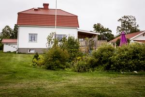 Huset sett från nedsidan.