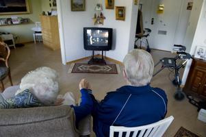 Om man någonsin varit tvungen att spendera mycket tid inomhus och inte har möjlighet att göra något annat vet man hur mycket tv:n kan betyda, skriver