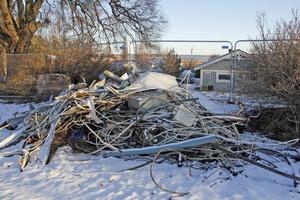 Allt metallskrot från hotellbyggnaden sorteras ut och ska återvinnas.