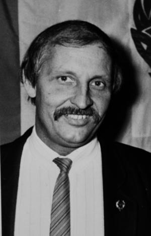 Här har den aktiva karriären fått ge plats åt en ledargärning som skulle bli lång och framgångsrik – och var det årsmöten eller festligheter i Stockviks Idrottsförening prisades eldsjälar som Sune Hedqvist. Klubben var då, på det sena 1970- och tidiga 80-talet både bred och stark, där spillvärmeplanen bidrog till en hög status för fotbolle.