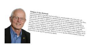 Nykvarnspartisten Jan Brolund har inte hymlat med vad han tycker om politiker i kommunstyrelsen som inte begriper när de är jäviga. Han ingår själv i skaran av sakägare – utan att han har lämnat sammanträdet.