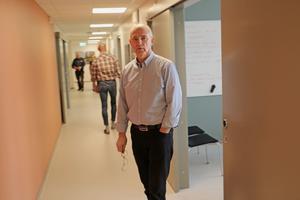 Lars Ferbe jobbar numera i Vätternvattenprojektet. Han var tidigare enhetschef på Vattenverket och tog fram underlaget för upphandlingen av Lyra.