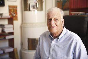 """""""Jag reste runt i hela Sverige och stämde före detta styrelsemedlemmar, främst i Norrland"""", säger Dennis Harding."""