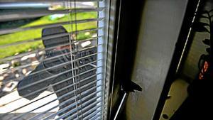 Antalet inbrott i lägenheter och villor har ökat stort i juni i år jämfört med juni förra året. Foto: TT Bild