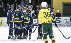 Det såg bra ut för Falun när Joakim Bergsman satte 2–0 på straff i första halvlek.