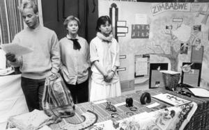 På kulturdagen 1986 visade eleverna på PC upp kulturer från en mängd länder i världen.  Anders Jönsson, Pia Skarped och Ann Hennerfors pratade om och visade upp föremål från Zimbabwe.