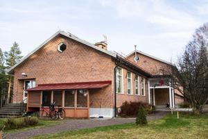 Skolbyggnaden som nu utgör RFSU AB:s anläggning.