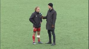 Emil Hermansson intervjuas efter matchen av Sportens reporter Markus Josefsson