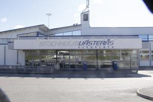 Många har åsikter om flygplatsen, konstaterar debattören.