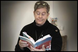 – Det enda som man har att spara på i alla företag är personalen, säger Ann-Charlotte Svenander, orförande för Kommunal Norrtälje.