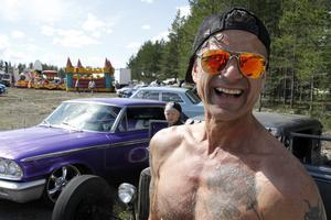 Han har åtta bilar hemma i Hedsta, Thomas Irwang – den här dagen hade han med sig sin drygt 80 år gamla A-Ford, numera en Rat-Rod.