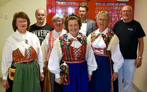 Ett kort musikprogram framfördes av från vänster Eva Barrsved, ,  Jacob Moscovicz, Åsa Lindström, Anna Eklund Tarantino, Christer Björklund, Ann-Christin Wassberg och Roine Wassberg.
