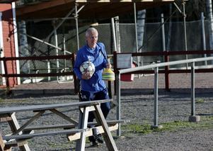 Jimmy Linnér är ordförande i Svärdsjö IF som nu tvingas dra sig ur division 4.