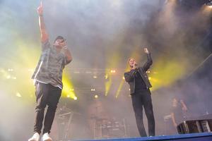 Några av Samir och Viktors mest kända låtar är Groupie och Bada nakna.  Foto: Peder Andersson