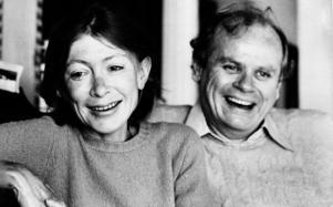 Joan Didion med maken John Dunne i deras hem i  Malibu december 1977.Foto: CG