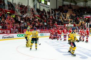 Timrå IK fick jubla i NHK Arena till slut, även om det var SSK som inledde starkt. Bild: Pär Olert/Bildbyrån