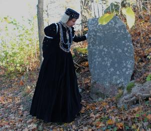 Vid Drottningkällan i Nykvarn finns en minnessten som beskriver historien om Katarina Jagellonica. Foto: Privat