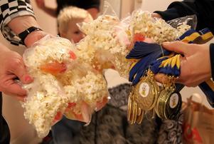 Popcorn och givetvis medaljer till alla barn väntade efter onsdagens avslutning på höstens barngympa.
