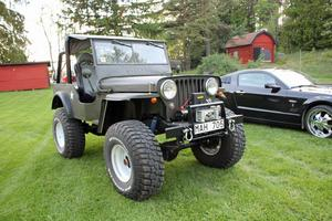 En Jeep Willys från 1951 brukar dra blickarna till sig.