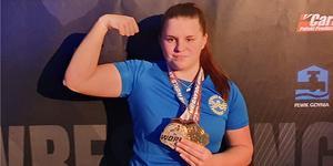 Sunnea Strömberg från Skedvi är bäst i världen på armbrytning bland 15-åringar. I seniorklassen kom hon femma.