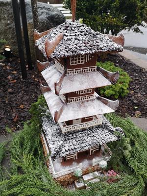 Här är Christina Vognilds pepparkakshus – en japansk pegoda. Foto: Privat
