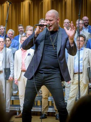 Andreas Lundstedt, som kallas Sveriges discokung, stal en stor del av OD:s konsert.Foto: Lennart Hyse