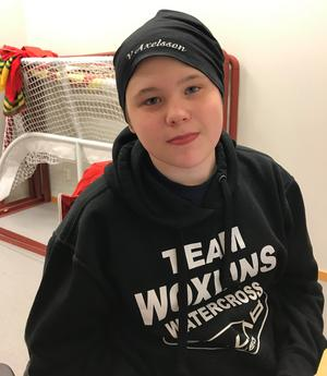 Victor Axelsson släppte in 221 besökare på fredagens hockeymatch.
