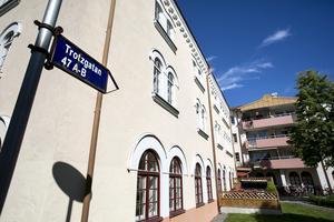 Samma natt som Anita Bergström utsattes för ett inbrott på Trotzgatan, fick även en granne på andra våningen påhälsning.
