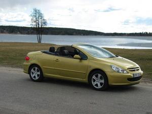Peugeot 307 CC ligger femma.