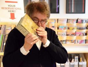 Thomas Lundkvist blåste fanfaren. I en bok!