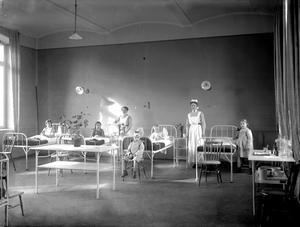 Dåtidens sjuksal. Avdelningen för scharlakansfeber 1914.BILD: SAM LINDSKOG