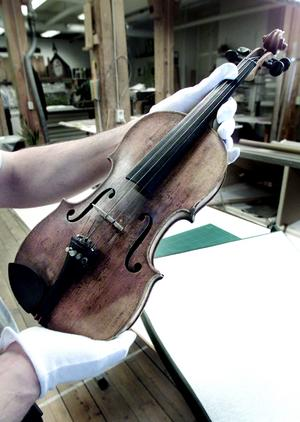 2001 visades en fiol som tillhört Lapp-Nils upp i Jamtliutställningen