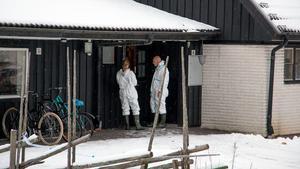Polisens tekniker undersökte villan i Hallstahammar som fungerar som HVB-hem. De kunde kullkasta alla spekulationer om att det var ett brandattentat från någon utomstående. Branden startade inne på hemmet.