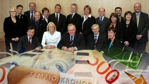 Ingemar Nilsson (S) avfärdar påståendet att Göran Persson och regeringen skulle ha stulit pengar från pensionsspararna. Bilder: Jonas Ekströmer/TT / Jessica Gow/TT