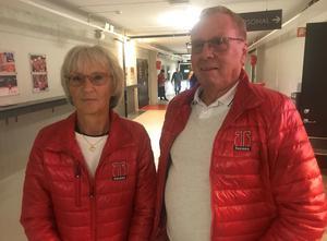 Rose-Marie ock Kurt Andersson har sett alla Örebro Hockeys hemmamatcher sedan deras hund dog 2010.