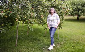 Anna Porsvald brinner för att sprida kunskapen om hur det går till att starta eget äppelmusteri.