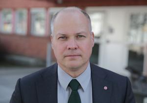 Morgan Johansson (S) hann med att besöka såväl Lorensbergaskolan som polisen samt träffa storföretagen ABB och Spendrups  under sin vist i Ludvika.